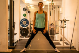 Sanne-Brink-Cossack-Squat-Startposition