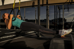 Sanne-Brink-TRX-Elevated-Rows-Slutposition