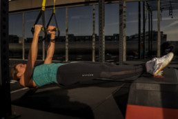 Sanne-Brink-TRX-Elevated-Rows-Startposition