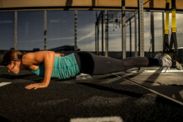 Sanne-Brink-TRX-Push-Up-Slutposition