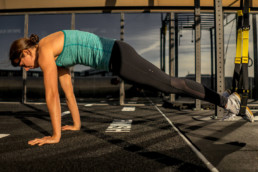 Sanne-Brink-TRX-Push-Up-Startposition